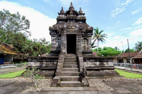 The Stark Beauty of Pawon Temple